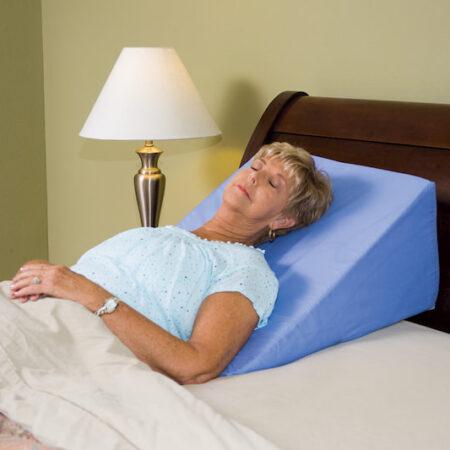 Gối tựa đầu giường hình tam giác
